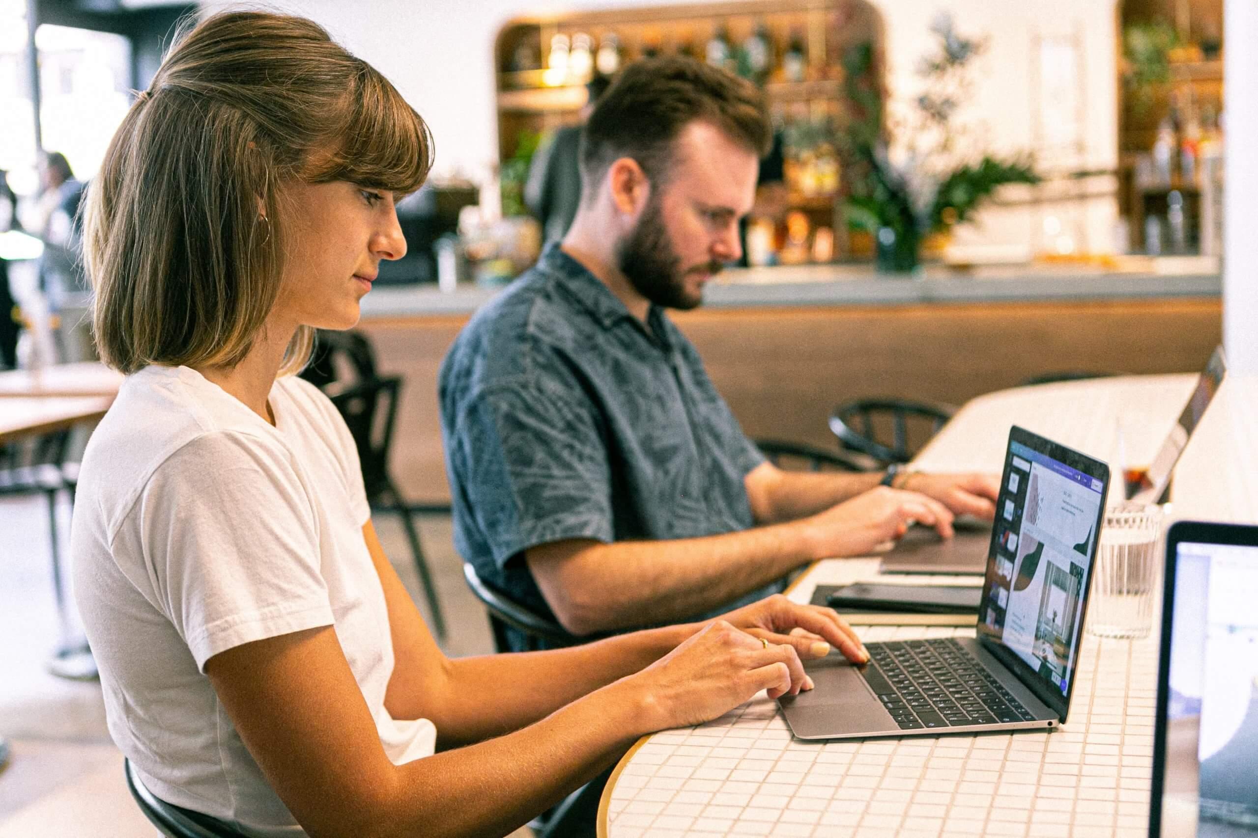 Cubos Web es una agencia creativa que diseña estrategias de marketing complejas y únicas.